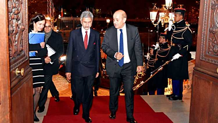 External Affairs Minister S Jaishankar meets French Foreign Minister Jean-Ives Le Drian in Paris (FILE PHOTO)