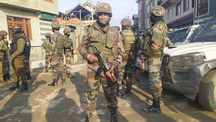 3 terrorists killed in Kashmir's Shopian encounter