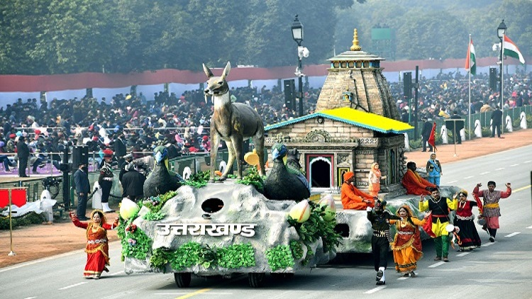 The tableau of Uttrakhand at Rajpath during the full dress rehearsal ahead of R-Day Parade, in New Delhi on Saturday