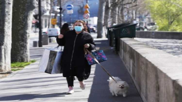 A woman walking in USA city