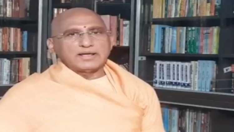 Hindu Dharma Acharya Sabha President Swami Avdheshanand Giri