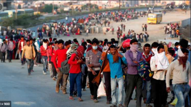 Migrant workforce on the move (file)