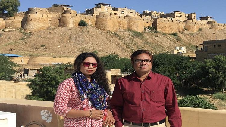 Kazi Masum Akhtar with his wife